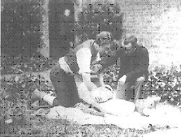 louis-henri-siret-hacia-1882-en-el-jardin-de-su-casa-durante-un-experimento-con-un-molino-hallado-en-el-argar
