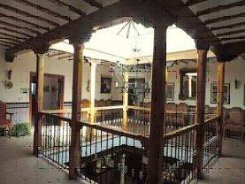 dependencias-en-el-patio-lucernario-de-la-casa-palacio-de-las-godoyas